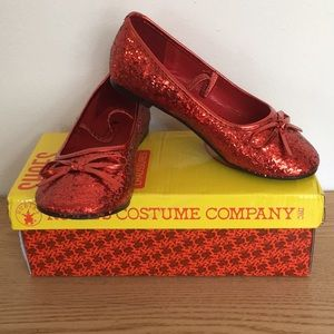 New Girls Dorothy Wizard of Oz Shoes Size Med 13-1
